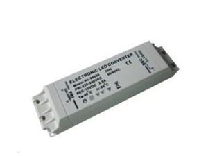 1.可控硅调光接口,可手动开关调光,适用于各种智能调光系统; 2.输入电压90-130V/200-250V,无需另外配置LED变压器,简单方便; 3.调光稳定平滑,无频闪; 4.具有输出短路