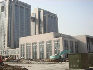 江苏省吴江市政府行政中心建筑面积十二万五千平方米,地上十五层地下二层