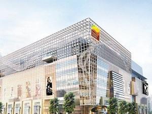 太阳新天地购物中心由广州百嘉信集团全资开发,是广州珠江新城最大的单体购物中心,定位时尚、高端,是集购物、餐饮、娱乐等功能于一体的一站式购物中心。太阳新天地购物中心由美国A+P设计公司和英国Benoy公司共同设计,总建筑面积15万平方米,地上8层,地下4层,配备1200多个专属车位。
